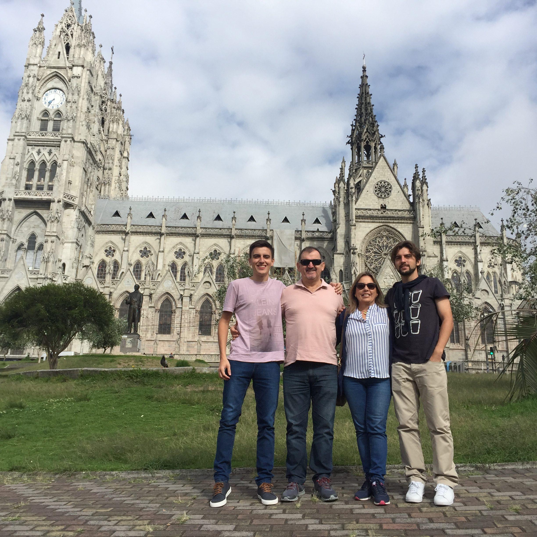 Iglesia la Basilica del Voto Nacional